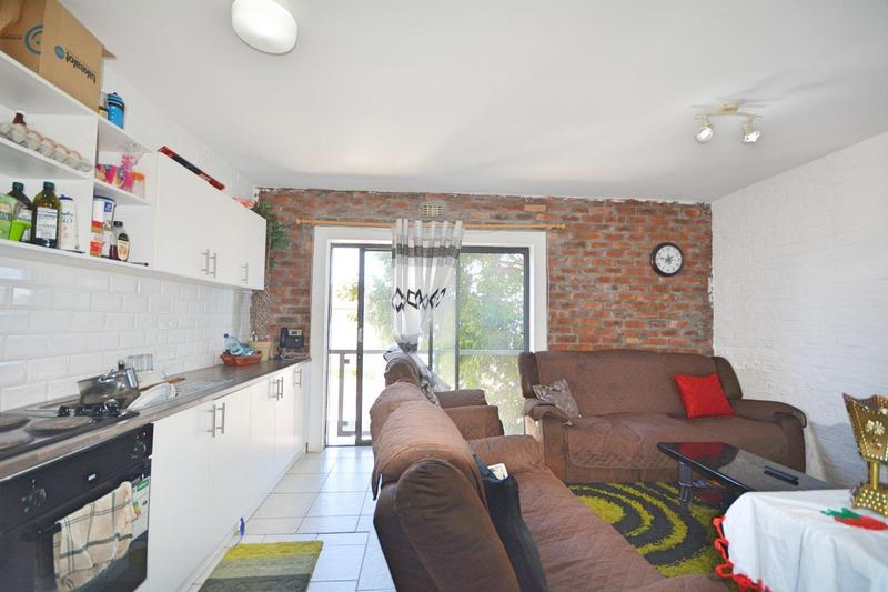 Property For Sale in Brooklyn, Milnerton 2