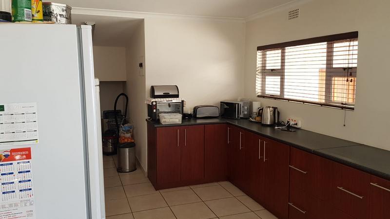 Property For Rent in Bothasig, Milnerton 3