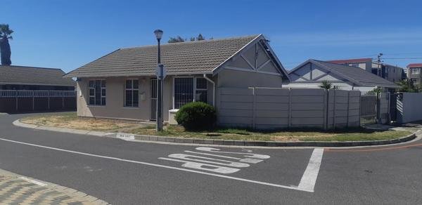 Property For Sale in Rugby, Milnerton