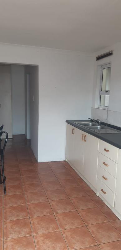 Cottage For Rent in Bothasig, Milnerton